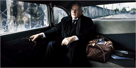 президент СССР Михаил Горбачев для рекламы Louis Vuitton